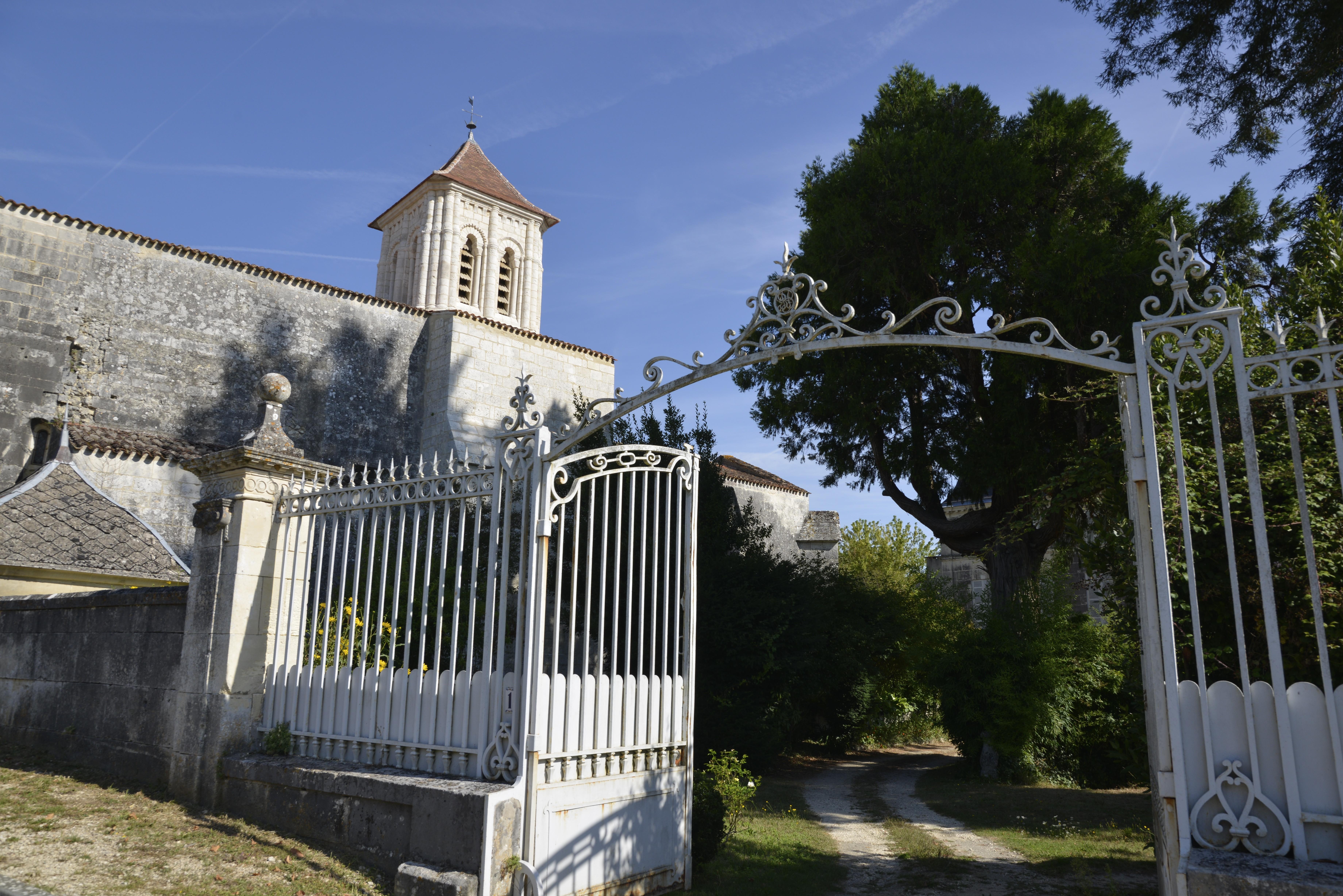 Eglise et portail